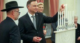 W Pałacu Prezydenckim zapalono świece chanukowe. Prezydent Duda: Żydzi polscy to wielka polska tradycja [WIDEO]